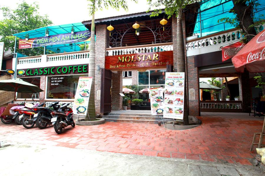 MOLSTAR CAFE